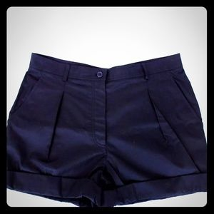 AUTHENTIC HERMES SIZE 40 ROLL UP SHORT PANTS